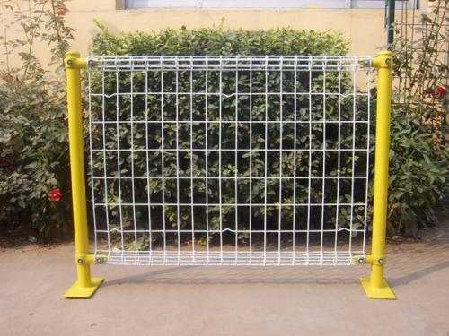 双圈护栏网案例