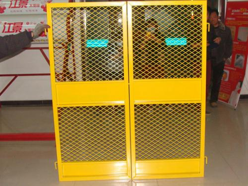 施工电梯门案例